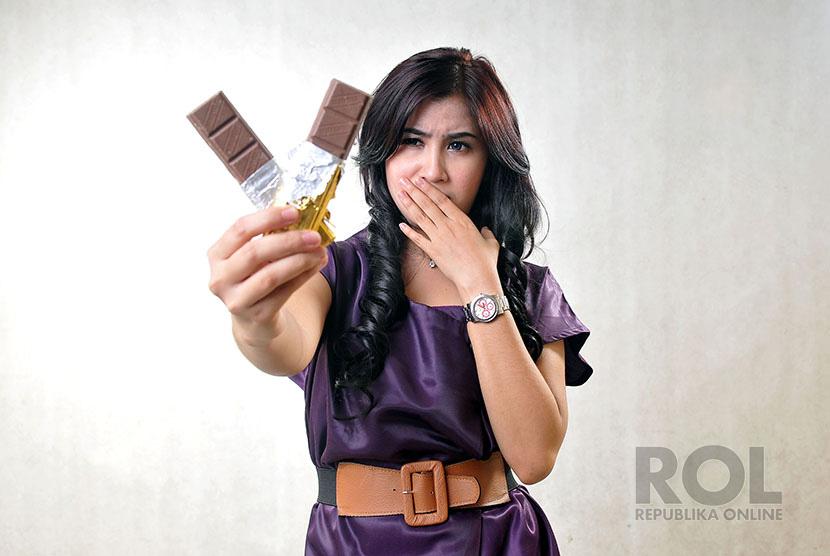 Membatasi makanan bergula, seperti cokelat, perlu dilakukan oleh individu yang sudah memasuki usia 40 tahun.