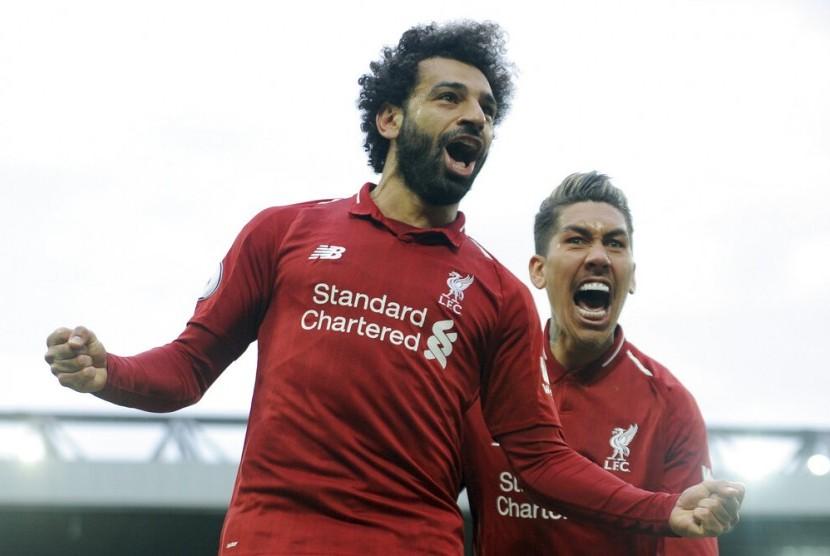 Mohamed Salah (kiri).