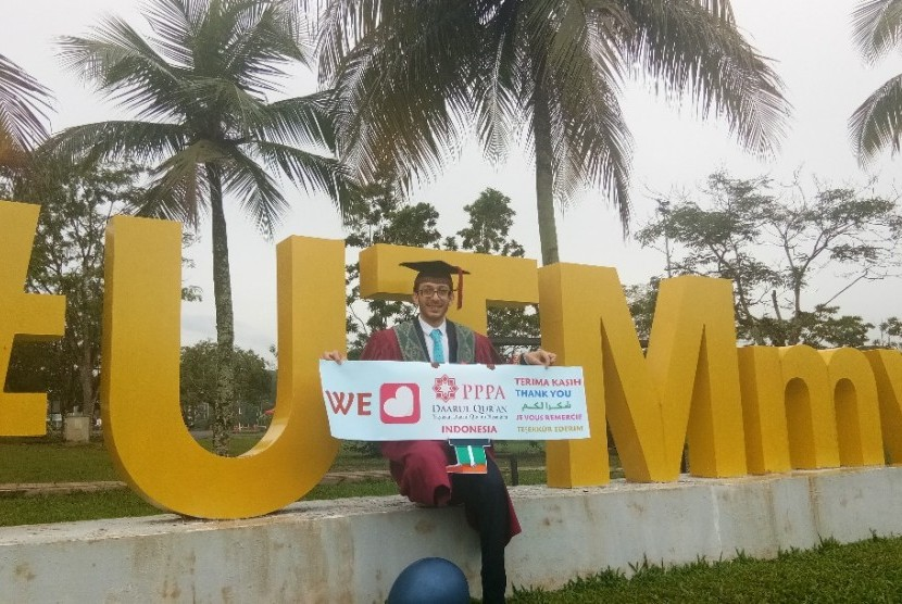 Mohammed ZM Qoddura, pemuda Gaza berhasil menyelesaikan penddidikan S2 di Universitas Teknologi Malaysia (UTM) atas beasiswa dari PPPA Darul Qur'an (Daqu).