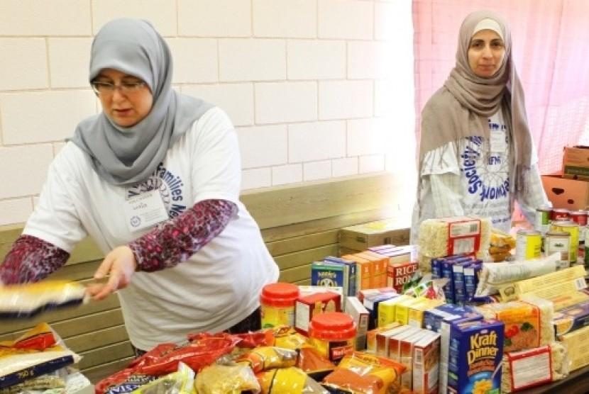 Momen Ramadhan dimanfaatkan komunitas Muslim Kanada untuk membantu saudara mereka yang tidak mampu dengan menggelar pasar murah