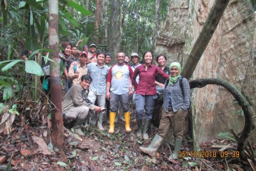Monitoring Jalur Patroli TNBT, LAJ dan Wildlife Conservation Society (WCS) pada Oktober 2018