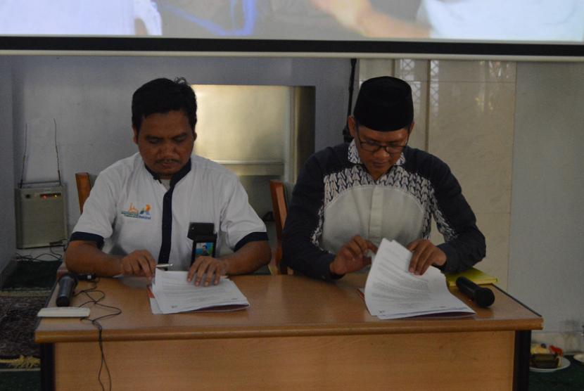 MTUA menandatangani kerja sama dengan Rumah Zakat.
