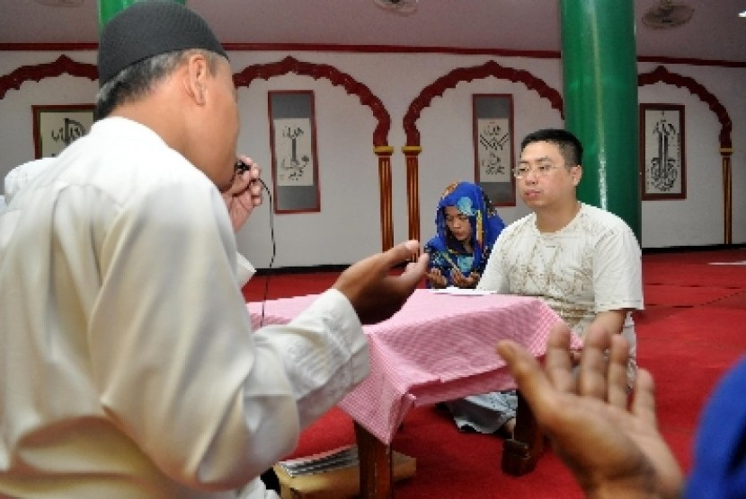Chin Pou Hua Menjadi Mualaf di Brunei