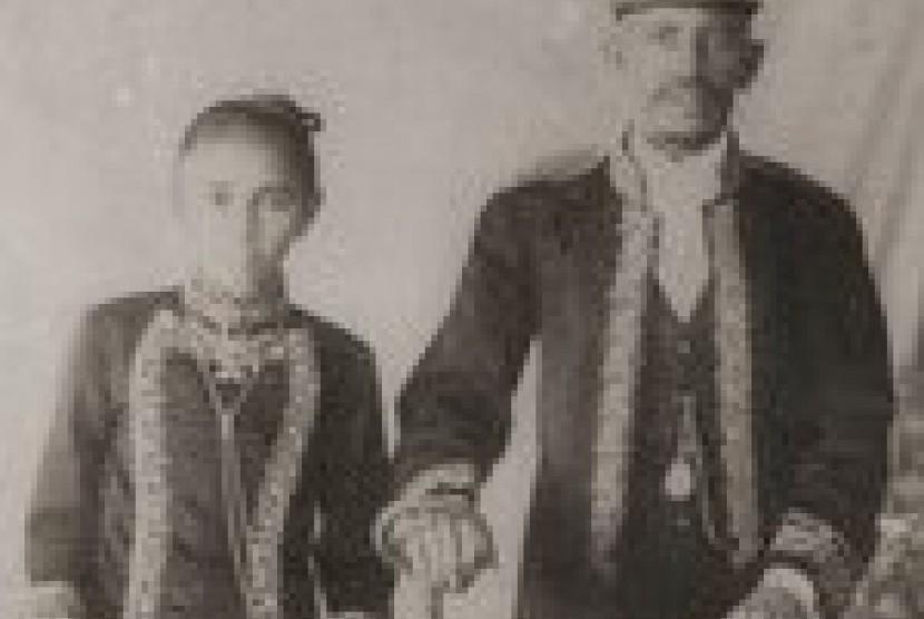 Muhammad bin Yahya dan istrinya