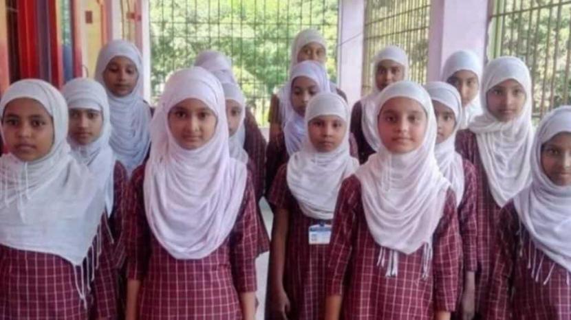 Murid sekolah Muslimah di negara bagian Assam, India