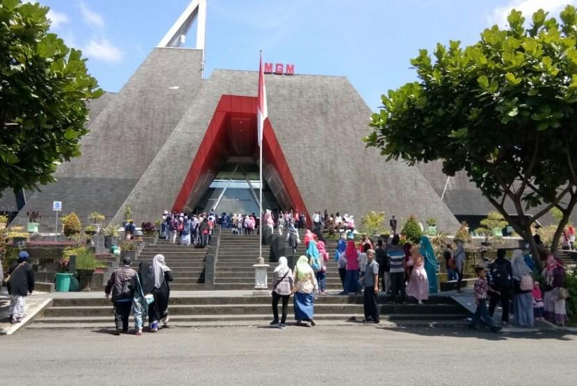 Museum Gunungapi Merapi ramai dikunjungi saat musim liburan.