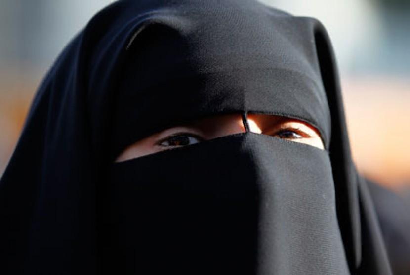 Muslimah bercadar.