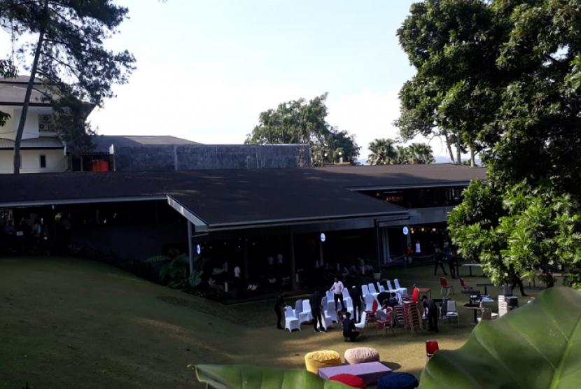 Nara Park Bandung, Kafe Berkonsep Alam untuk Generasi Medsos