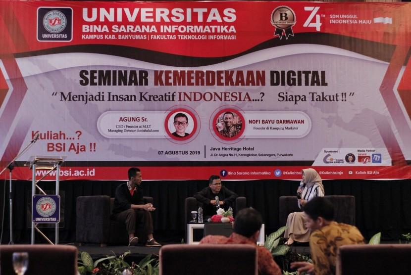 Nara sumber Seminar Kemerdekaan Digital yang digelar oleh UBSI Kampus Purwokerto.