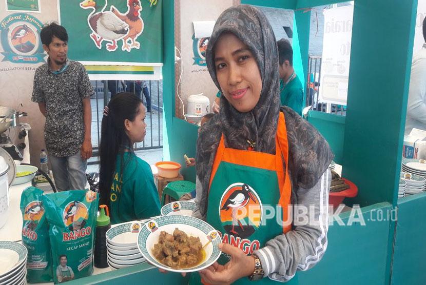 Nasu Palekko Bu Mul Hadir dalam Festival Jajanan Bango 2018. Palekko adalah salah satu makanan khas Kabupaten Pinrang, Makassar.