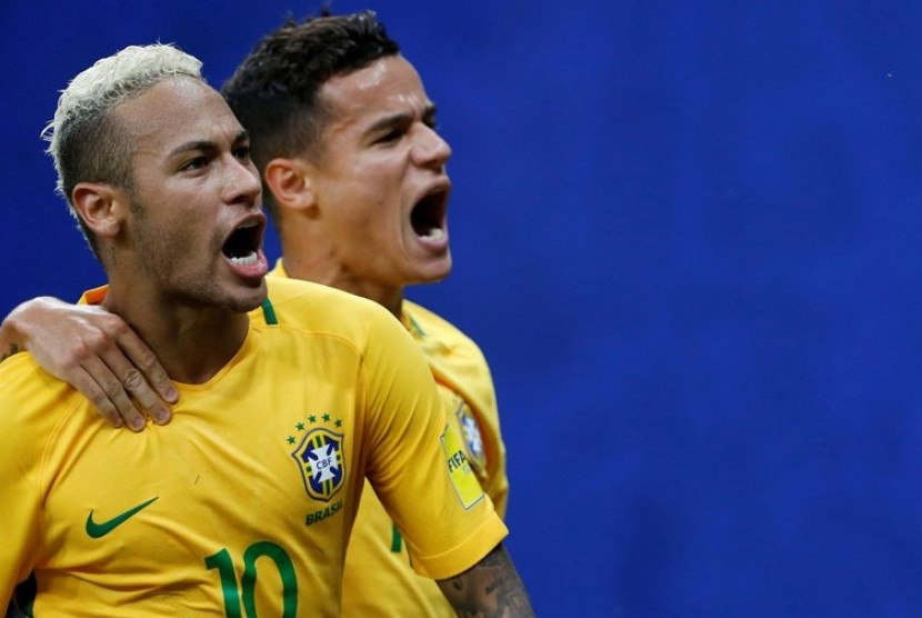 Neymar (kiri)