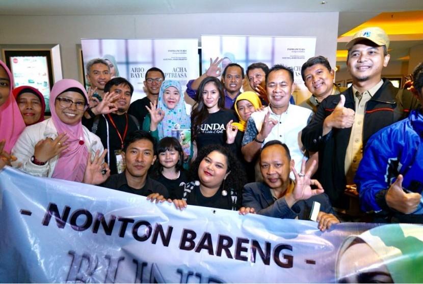 Nonton bareng (nobar) film
