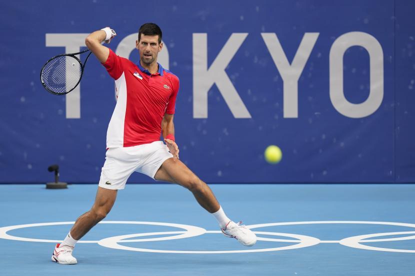 Novak Djokovic, dari Serbia terhenti di semifinal tenis tunggal putra Olimpiade Tokyo 2020.