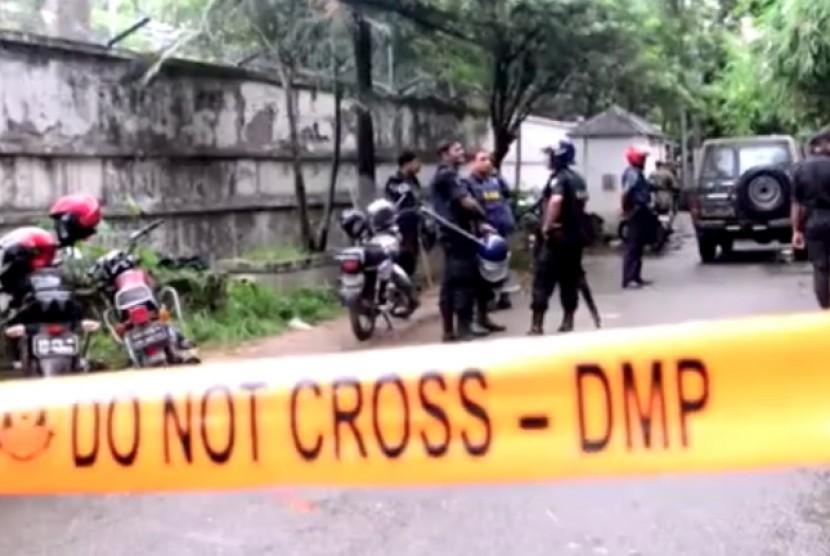 Olah TKP diduga serangan terorisme di Bangladesh