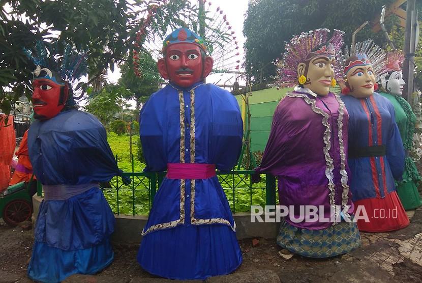 Ondel-ondel yang berada di Kramat Pulo, Jalan Kembang Pacar, Kramat, Senen, Jakarta Pusat.