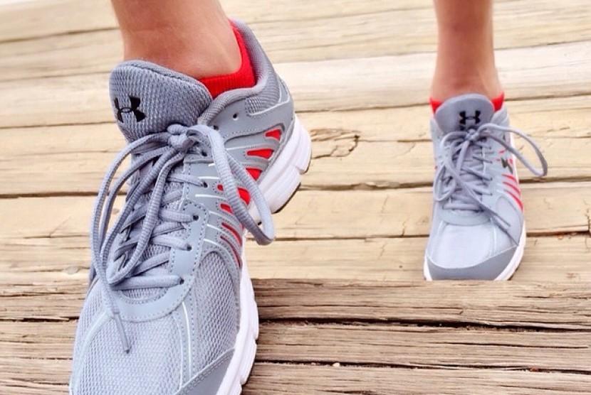 Orang dewasa setidaknya perlu melakukan 150 menit aktivitas fisik moderat, seperti berjalan cepat setiap minggu atau aktivitas yang bisa menguatkan otot setiap dua hari atau lebih dalam seminggu.
