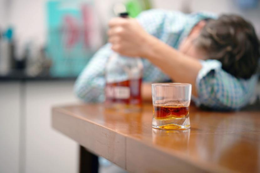 Studi sebut lebih dari 700 ribu kasus kanker pada 2020 terkait konsumsi alkohol.