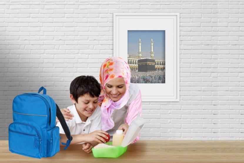 Orang tua perlu mengajarkan pentingnya menabung pada anak serta mengajarkan pemahaman akan ibadah haji dan umrah sejak dini.