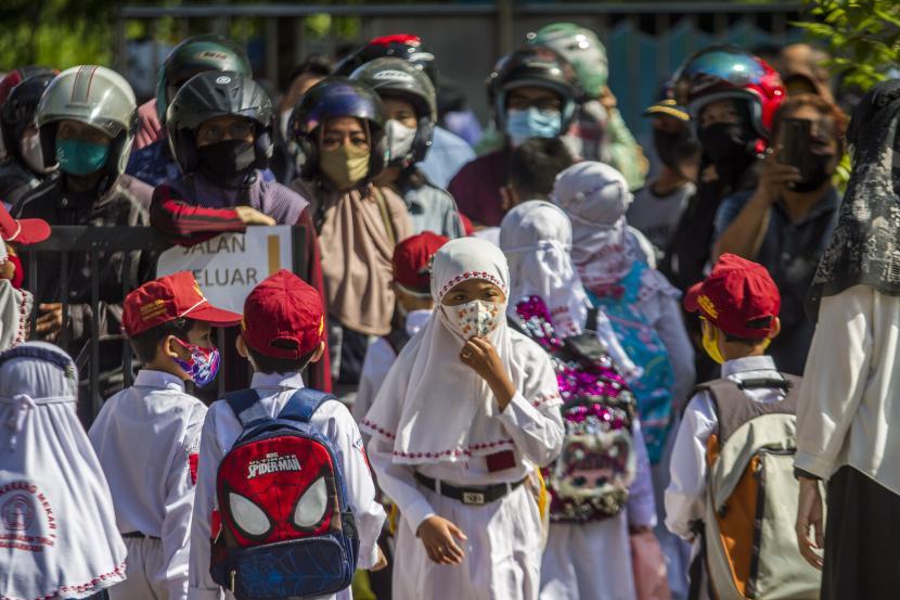 Pemerintah Kota Jakarta Selatan belum mendapat laporan adanya klaster Covid-19 di sekolah yang melaksanakan pembelajaran tatap muka (PTM) terbatas sejak awal Agustus lalu (ilustrasi).