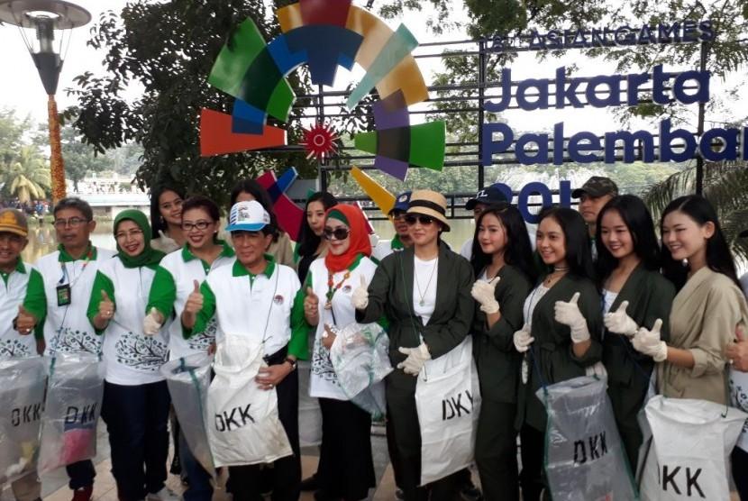 Pada Ahad (11/3), dilakukan aksi bersih sampah saat Car Free Day (CFD), di Kambang Iwak, Kota Palembang, Sumatra Selatan.
