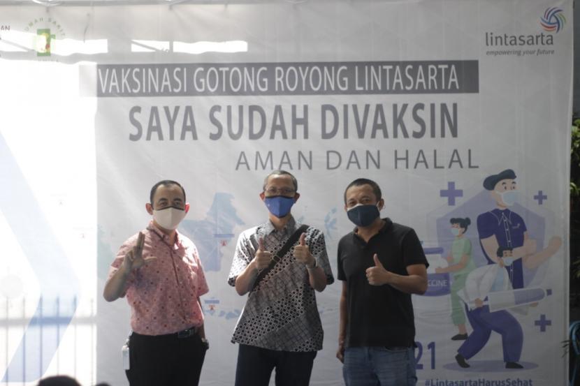 Pada bulan Juni-Juli 2021 Lintasarta menggelar program vaksinasi untuk seluruh karyawan Lintasarta yang tersebar di Indonesia.