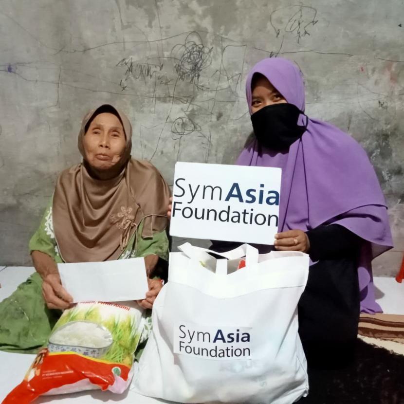 Pada momen Ramadhan tahun ini, Rumah Zakat berkolaborasi bersama SymAsia Foundation untuk menghadirkan kebahagian Ramadhan kepada masyarakat yang membutuhkan melalui program Berbagi Buka Puasa, Kado Lebaran Yatim dan Janda Berdaya.