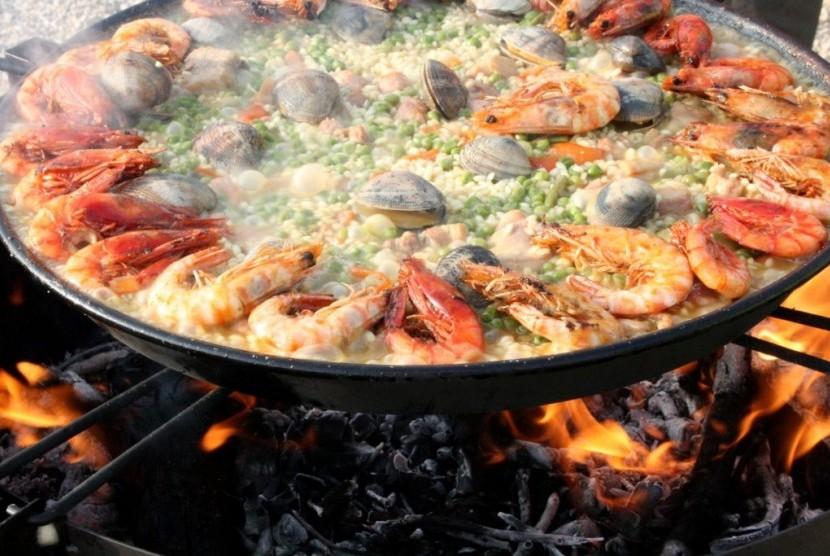 Paella, kuliner khas Spanyol.