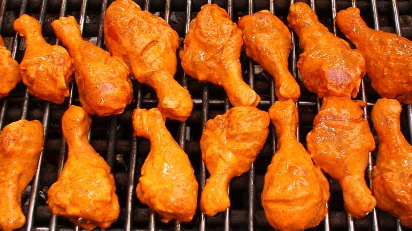 Paha ayam dapat menghasilkan tekstur renyah di luar dan lembut serta juicy di dalam.