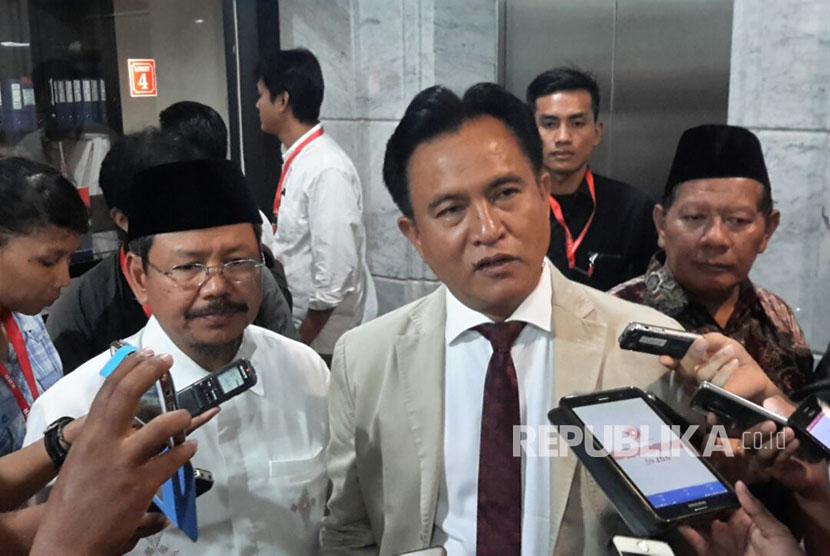 Pakar Hukum Tata Negara yang juga Kuasa Hukum Ormas Hizbut Tahrir Indonesia (HTI)  Yusril Ihza Mahendra