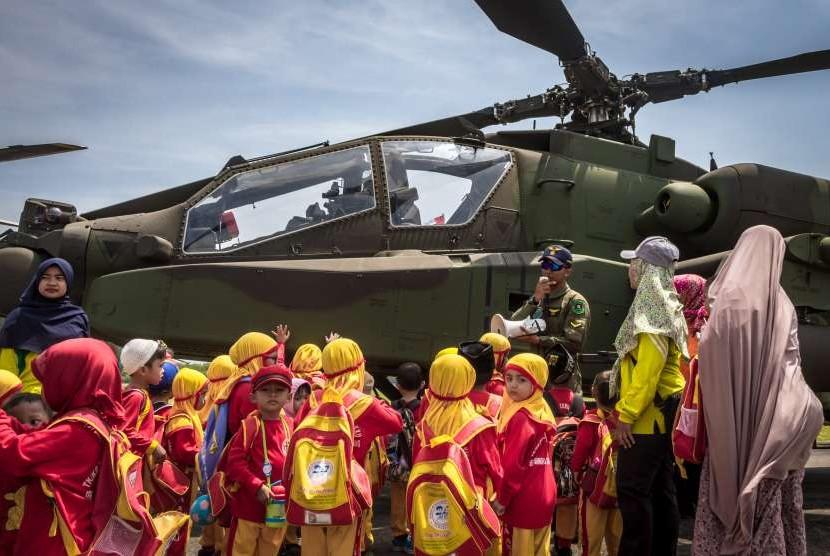 Pameran alutisista HUT TNI.
