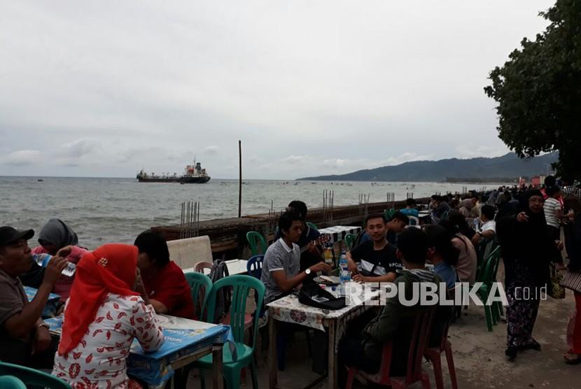 Ampenan beach, Mataram Old City, West Nusa Tenggara.