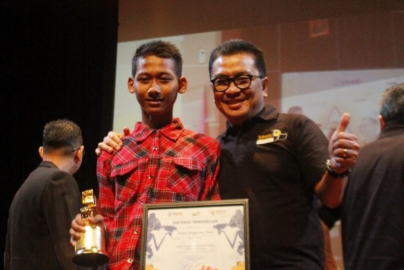 Papan Anggaran Desa meraih video citizen journalism terbaik untuk kategori pelajar di ajang FFKHN