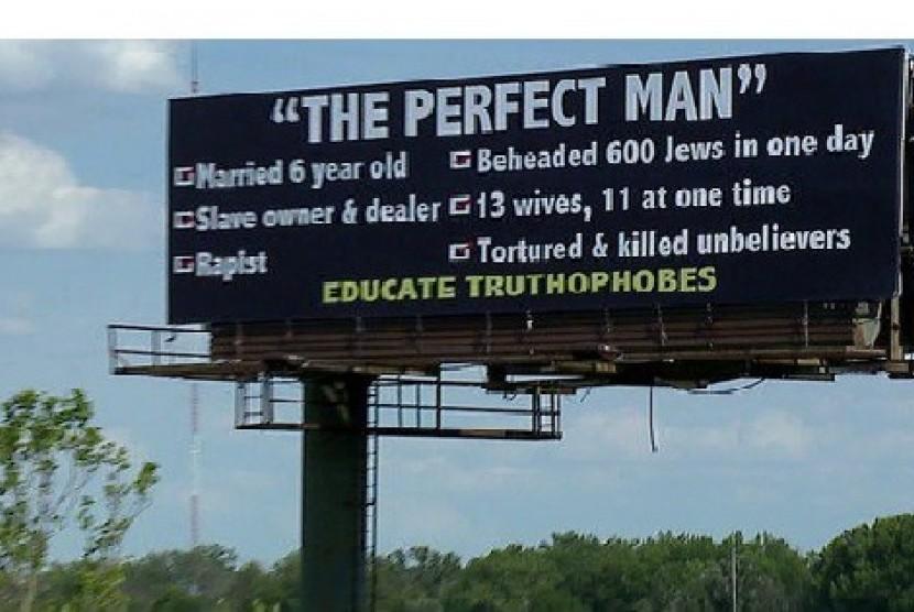 Papan reklame yang meledek Nabi Muhammad SAW di Indianapolis