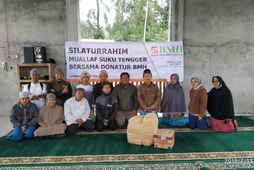 Para donatur Laznas BMH dari Tuban, Jawa Timur, mengunjungi Pondok Pesantren Mualaf Suku Tengger.