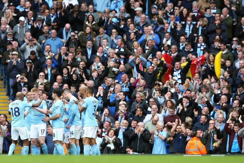 Para pemain Manchester City merayakan gol Kevin De Bruyne.