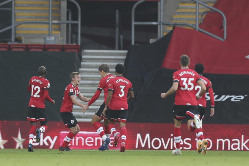 Manchester United Tertinggal Dua Gol dari Southampton