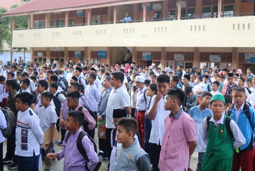 Para pendaftar SMP Ar Risalah Padang tembus 1.000 orang.