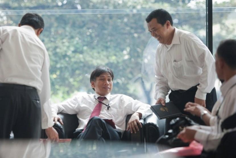 Para penyidik Bareskrim Polri saat tiba di Gedung KPK untuk gelar perkara kasus Simulator SIM.