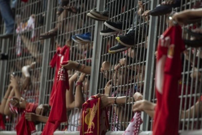 Para suporter Liverpool