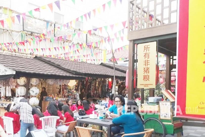 Ridwan Kamil Resmikan Kawasan Chinatown Bandung Republika