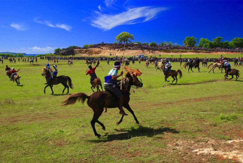 Sandalwood horse parade.