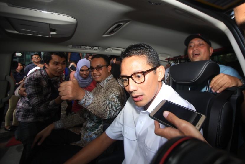 Pasangan bakal calon Gubernur DKI Jakarta Anies Rasyid Baswedan (kiri) dan bakal calon Wagub Sandiaga Uno (kanan).