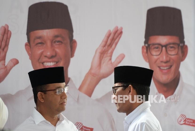 Pasangan Cagub dan Cawagub nomer tiga DKI Jakarta Anies Baswedan - Sandiaga Uno bersama pasangan bertemu usai pencoblosan di Posko Pemenangan Cicurug, Jakarta Pusat, Rabu (25/2).