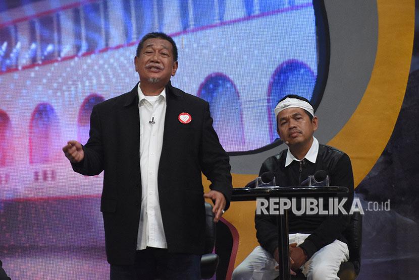 Pasangan calon gubernur dan wagub Jawa Barat nomor urut empat Deddy Mizwar (kiri)-Dedi Mulyadi (kanan)