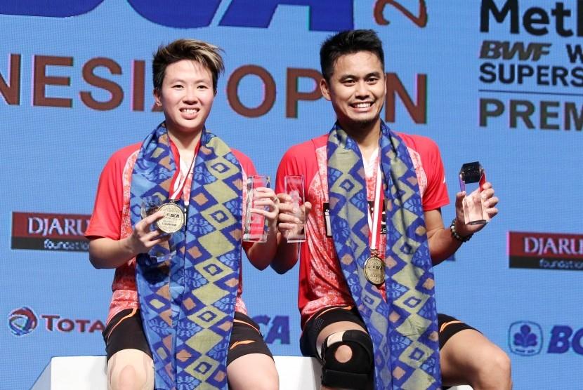 Pasangan ganda campuran Indonesia, Tontowi Ahmad/Liliyana Natsir menjadi juara BCA Indonesia Open Super Series Premier 2017, Ahad (18/6).