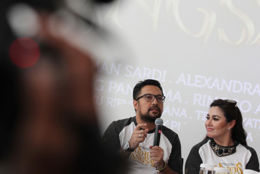 Pasangan sineas, Ari Sihasale dan Nia Zulkarnain.