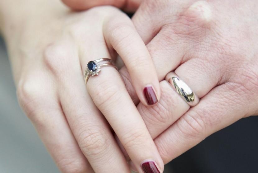 Pasangan yang sudah menikah (ilustrasi)