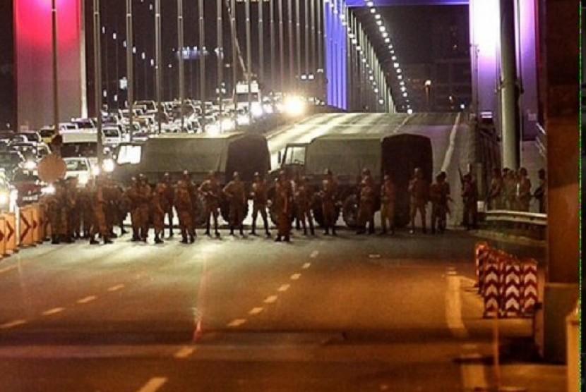 Pasukan militer blokade jalan di Ibu Kota Turki
