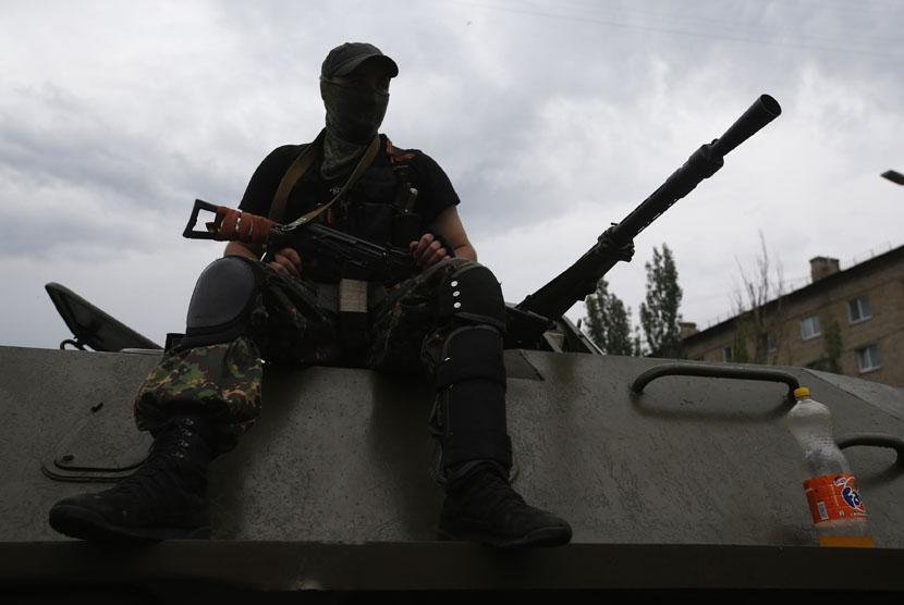 Pasukan separatis Ukraina proRusia. (ilustrasi)