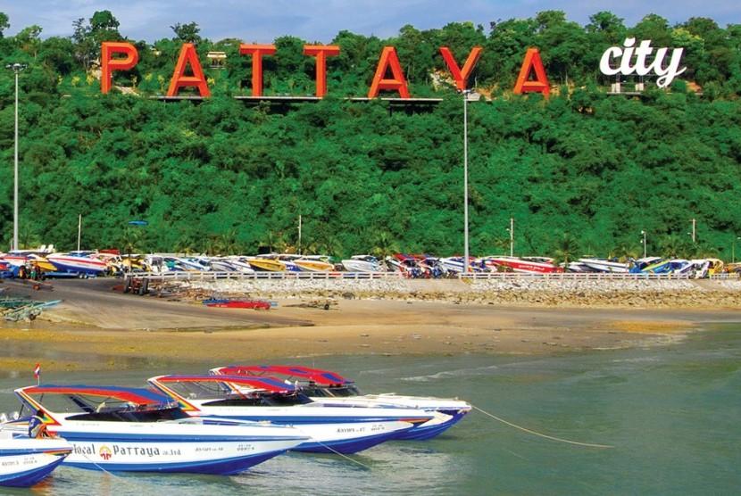 Pattaya, salah satu objek wisata populer di Thailand.